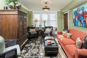 Chicago Guest House | Vacation Rental in Lakeview | 6 Blocks to Wrigley Field