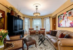 Chicago Guest House   Vacation Rental Near Wrigley Field    Lakeview Suite